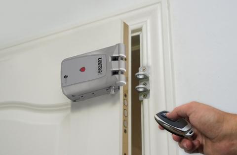 Instalación y nuevos tipos de cerraduras de seguridad 44