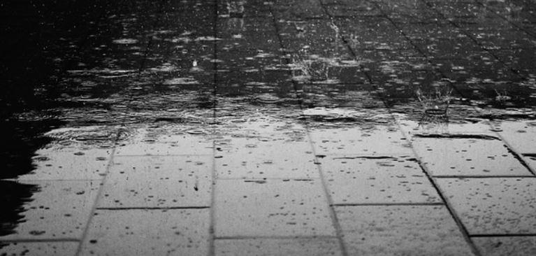 Lluvias causan estragos en el ánimo de los españoles y en sus paredes 23
